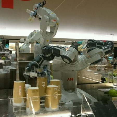 wpid-supermarket-robot.jpg.jpeg