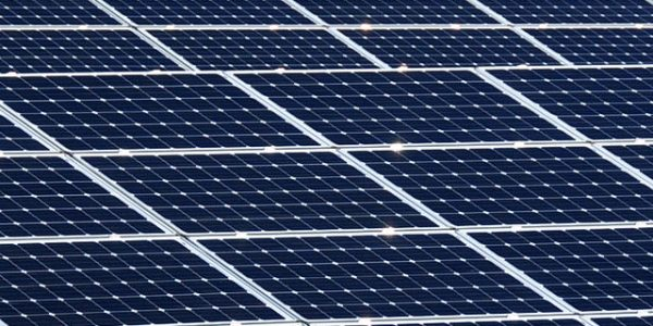 640px-US_Navy_111022-N-OH262-322_A_view_of_solar_panels_being_installed_at_Naval_Station_Guantanamo_Bay,_Cuba